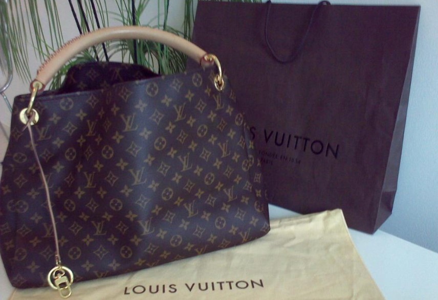 Louis Vuitton Asli dan Palsu